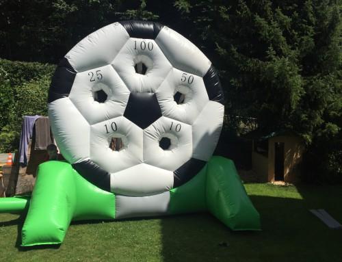Riesen-Fussball-Torwand